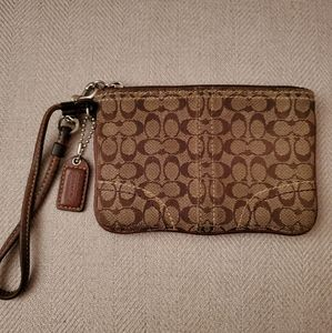 Coach wristlet signature C brown
